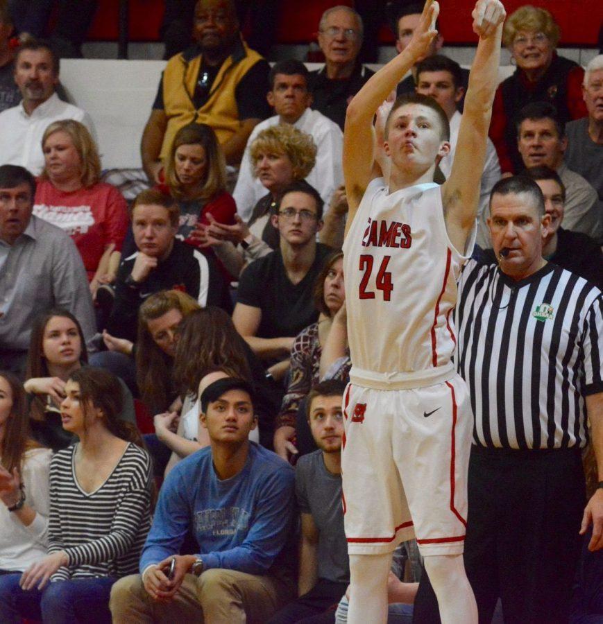 Ethan DeLaney shoots a three